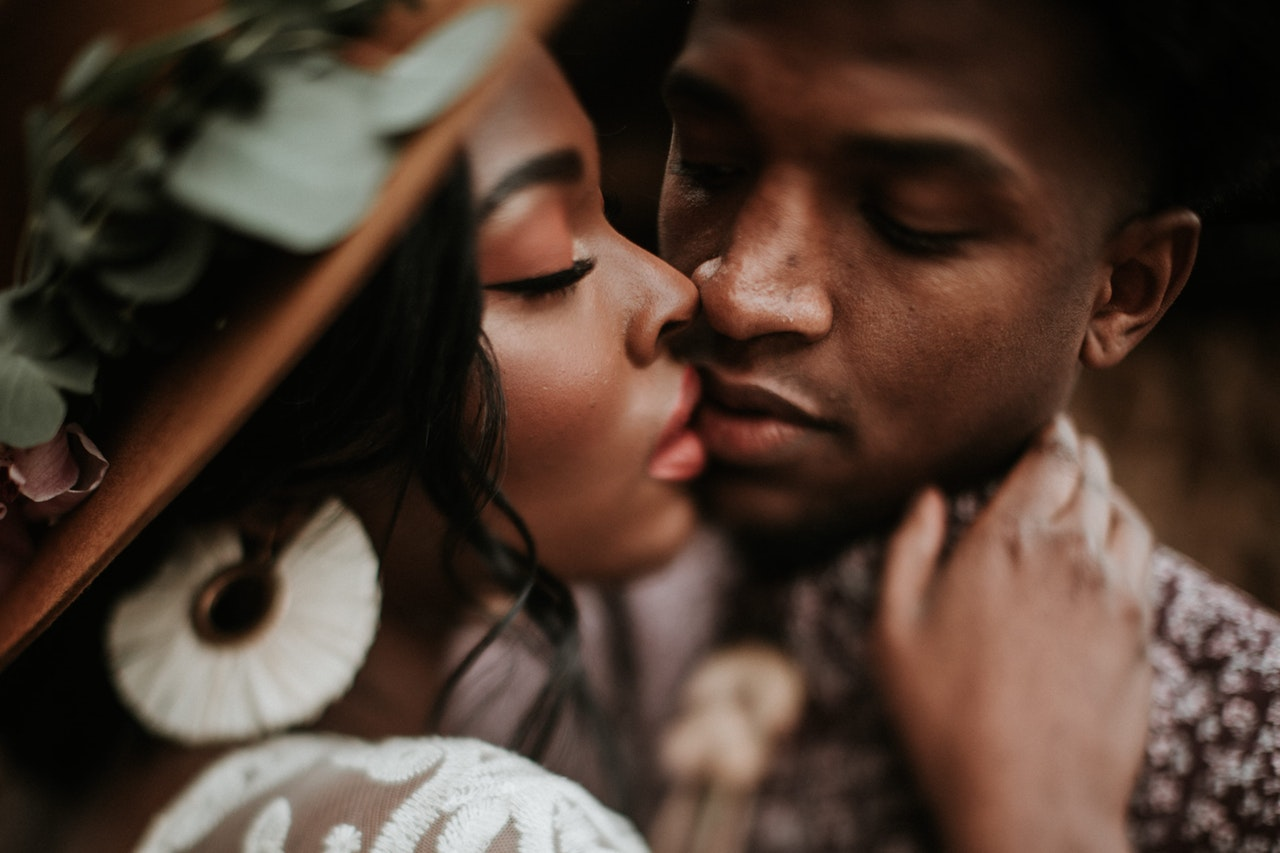 Find Out Which STDs Can You Get Through Kissing Image